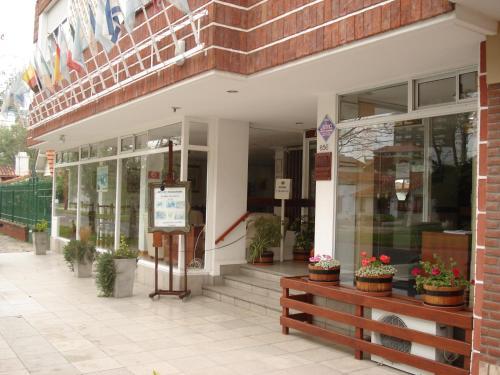 Foto de Lugra Hotel