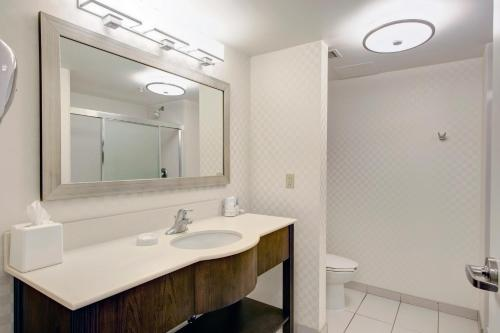 Hampton Inn - Suites By Hilton Halifax - Dartmouth - Dartmouth, NS B3B 0G2
