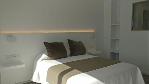 Superior Double or Twin Room with Sea View Hostal La Palma 1
