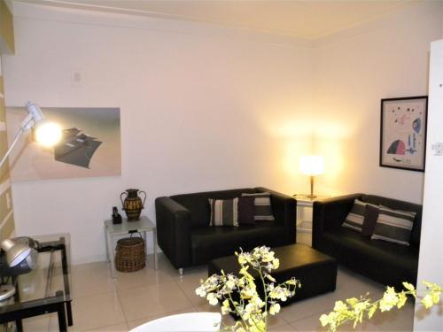 Tiffanys Ipanema Apartment