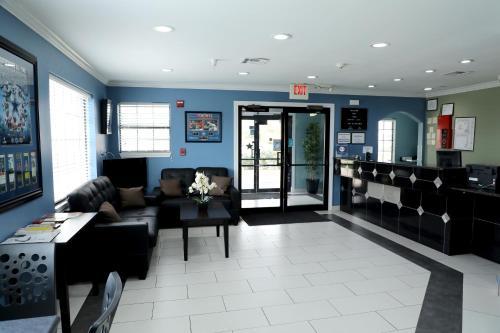 Ranger Inn & Suites Photo