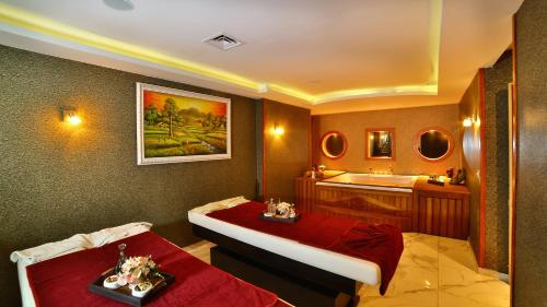Ramada Istanbul Old City Hotel photo 40