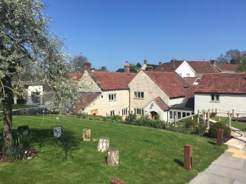 Litton, near Wells, Somerset, BA3 4PW, England.