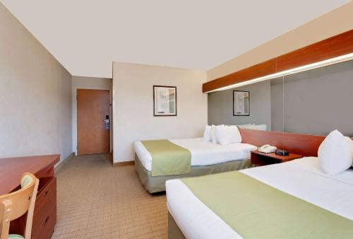 Microtel Inn & Suites by Wyndham Photo