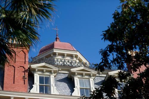 149 Wentworth Street, Charleston, SC 29401, United States.