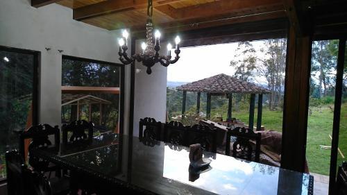 Quito Airport Tiny Suites Photo