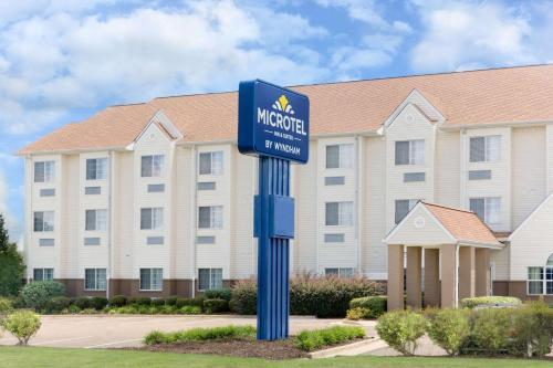 Foto de Microtel Inn & Suites by Wyndham Starkville