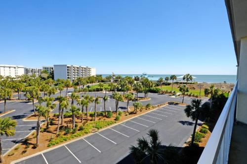 Litchfield Beach & Golf Resort Photo