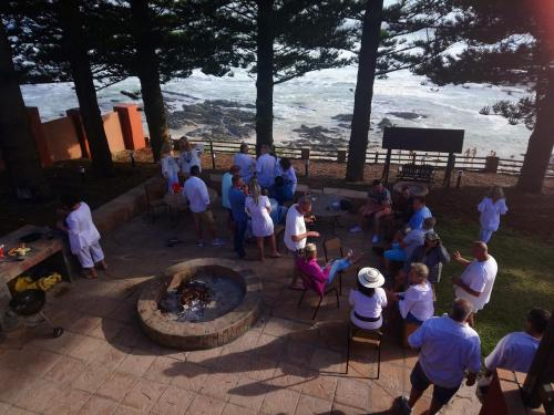 Sea Otters Lodge Photo