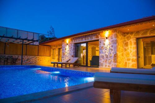 Kalkan Villa Günbatımı