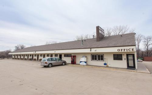 Fort Pierre Motel - Fort Pierre, SD 57532