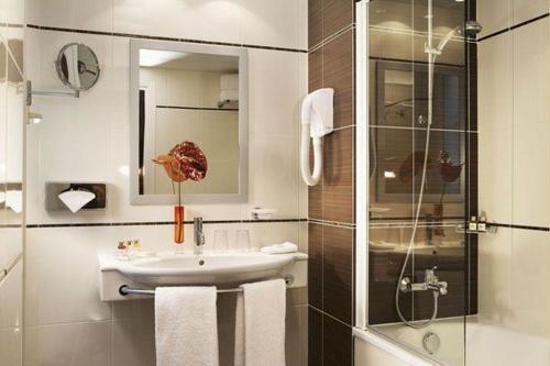 Hotel Elysées Bassano photo 3