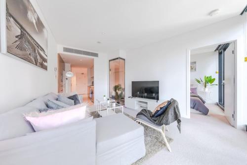 Designer Two Bedroom Pad in Brisbane City