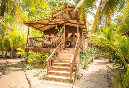 Redwood Beach Resort Hotel El Tanque