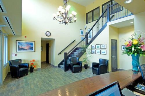 Midland Inn & Suites - Midland, ON L4R 4P4