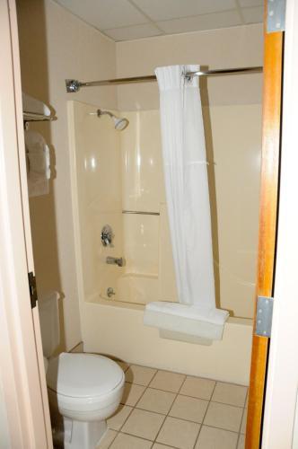 Clarion Hotel Branson Photo