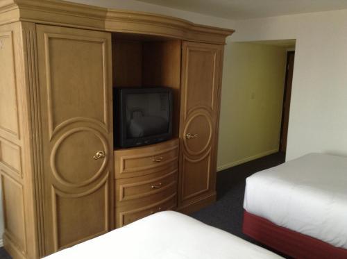 Airport Inn Hotel Photo