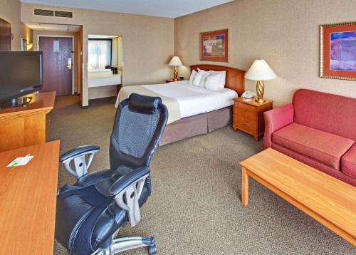 Holiday Inn Rushmore Plaza - Rapid City, SD 57709