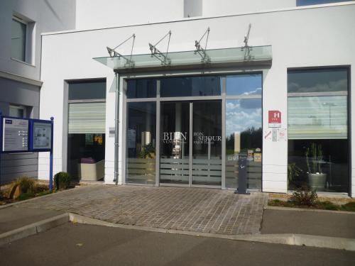 Kyriad chartres h tel jardin d 39 entreprises 24 avenue - Horaire piscine chartres ...