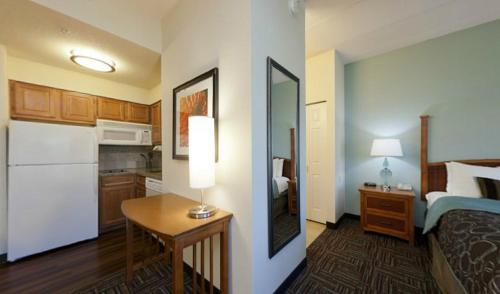 Staybridge Suites Minneapolis-bloomington - Bloomington, MN 55437