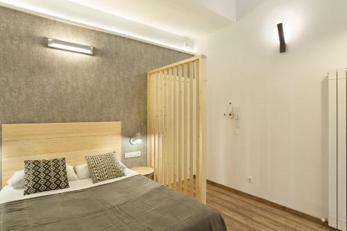 Urban District Apartments-Vintage Suites & Loft photo 57