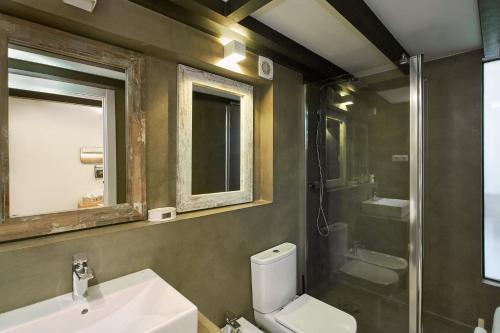 Urban District Apartments-Vintage Suites & Loft photo 61