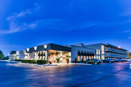 Best Western Plus Leamington Hotel & Conference Centre Photo