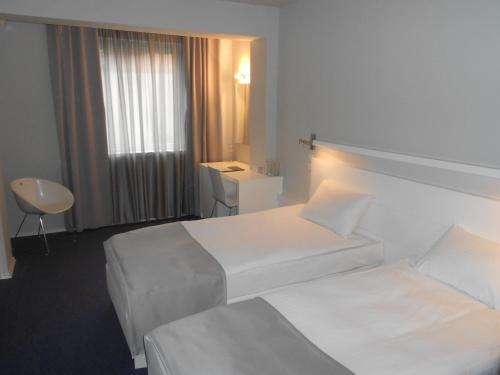 https://q-xx.bstatic.com/images/hotel/max500/142/14219124.jpg