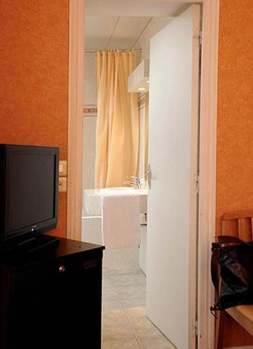 Auriane porte de versailles h tel 60 rue olivier de - Hotel auriane porte de versailles paris ...