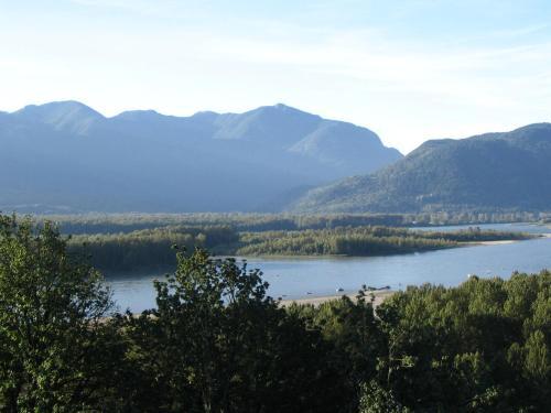 Riverview B&b - Chilliwack, BC V2R 5V2