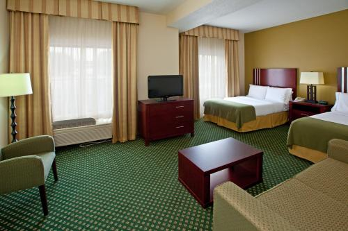 Holiday Inn Express Hotel & Suites Indianapolis - East - Indianapolis, IN 46219