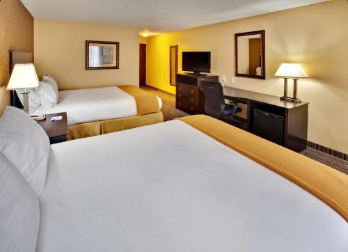 Holiday Inn Express Hotel & Suites Council Bluffs - Council Bluffs, IA 51501