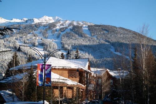 Marketplace Lodge By Resortquest Whistler - Whistler, BC V0N 1B4