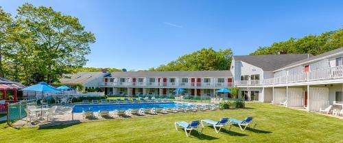 Rhumb Line Resort Photo