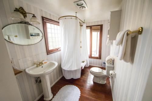 Bath Street Inn Photo