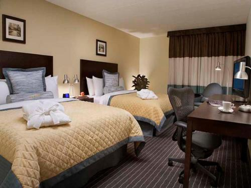 Edward Hotel North York - Toronto, ON M2J 4R2