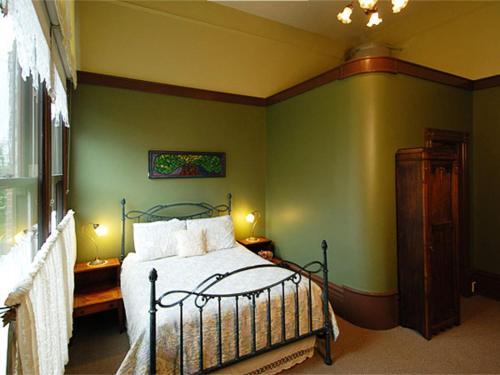 Palace Hotel - Port Townsend, WA 98368