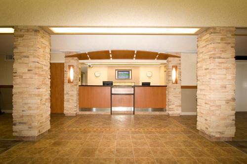 Woodlands Inn - Fort Nelson, BC V0C1R0