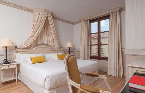 Deluxe Twin Room with Two Twin Beds - single occupancy Eugenia de Montijo, Autograph Collection 1