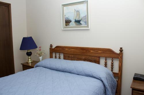 Cozy Nest Bed & Breakfast - Calgary, AB T3B 3K9