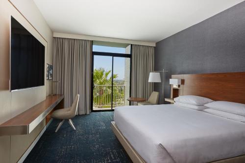 Carlton Hotel Newport Beach-a Hyatt Affliated Hotel
