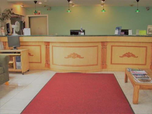 Regency Inn Photo
