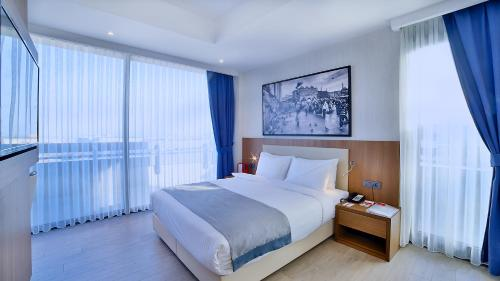 Ramada Istanbul Old City Hotel photo 56