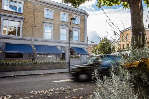 77 Choumert Road, Peckham, London, SE15 4AR, England.