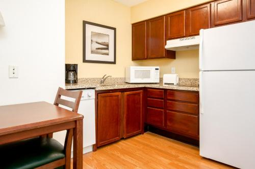 Residence Inn Houston Intercontinental Airport at Greenspoint photo 22