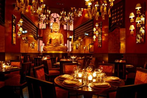 Buddha-Bar Hotel Budapest Klotild Palace photo 8