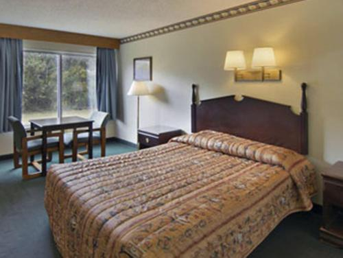 Travelodge By Wyndham Pelham Birmingham - Pelham, AL 35124