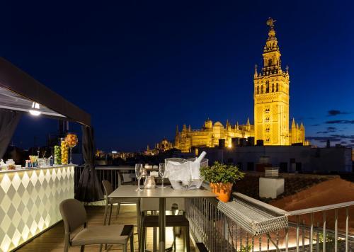 Calle Abades, 41-43, 41004 Sevilla, Spain.
