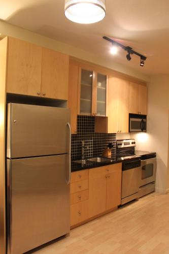 Jj Furnished Apartments Downtown Toronto: King's Luxury Loft - Toronto, ON M6K 3M8