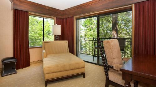 Lake Arrowhead Resort and Spa, Autograph Collection Photo